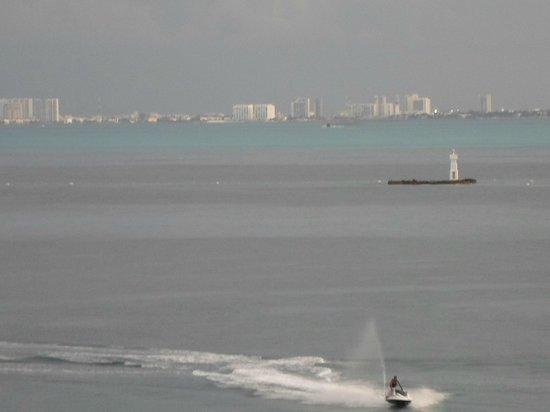 Hotel Bahia Chac Chi: Vista de Cancun desde la habitacion