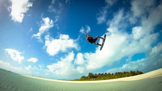 Paradise Cove Lodges: Honeymoon Island kiteboarding spot