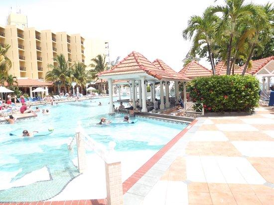 Jewel Dunn's River Beach Resort & Spa: Pool