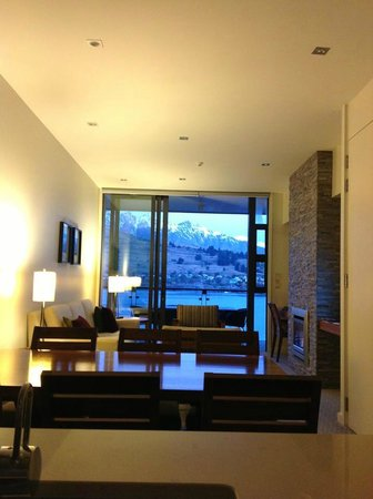 Lakeview 1 Bedroom Apartment Picture Of The Rees Hotel Luxury Apartments Lakeside