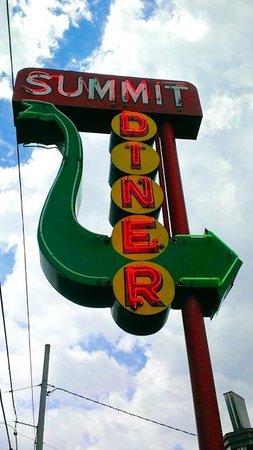 Summit Diner: Outside signage