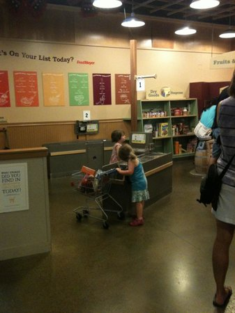 Portland Children's Museum: The Grocery Shopping for kids