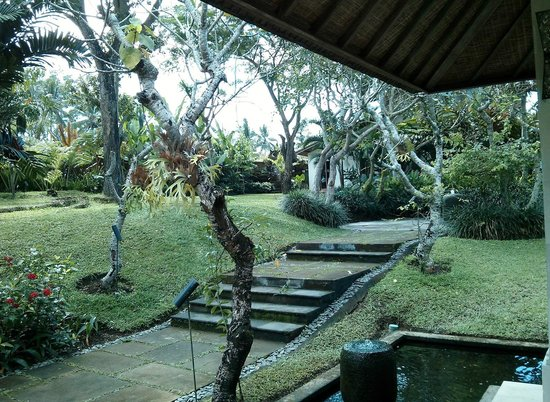 Pandawas Villas: Lovely gardens