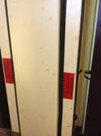 BEST WESTERN PLUS Fairfield Hotel : Something (drink?) sprayed on door jamb between rooms.  Not a clean place.
