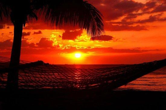 Travellers Beach Resort: Spectacular sunsets