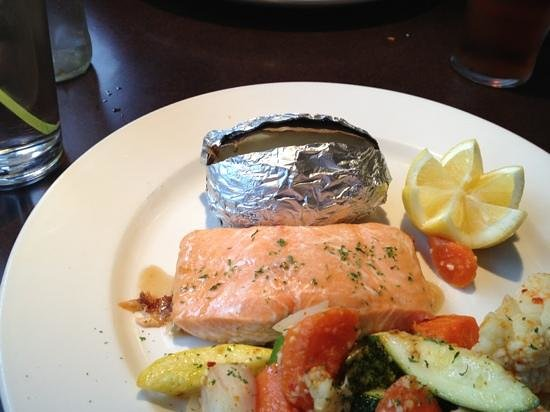 ONE Restaurant & 1 Lounge: Salmon in maple syrup