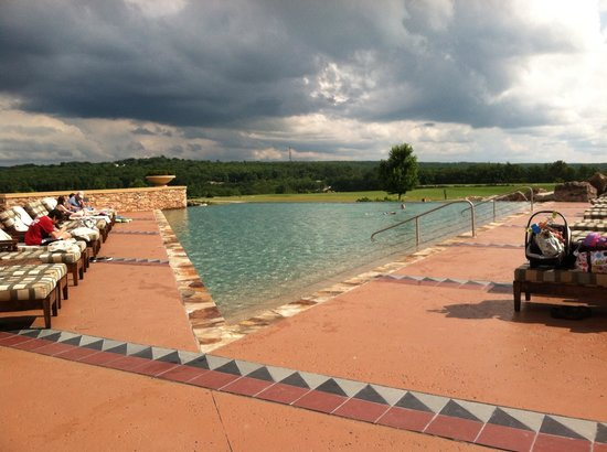 Falling Rock : Loved the pool