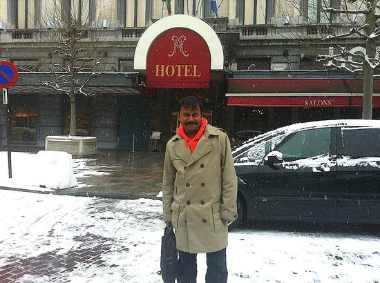 Hotel Metropole: Behind the Heavy Snow - There was warmth