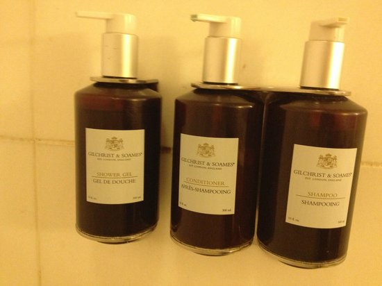 Hotel Amarano Burbank: Bathroom - Shower Amenities
