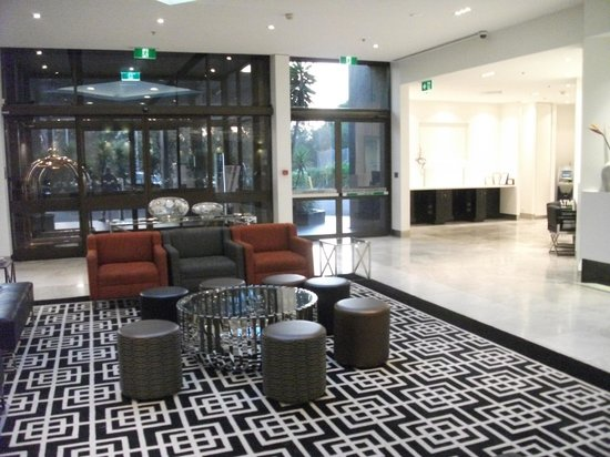 Mercure Sydney International Airport: Foyer