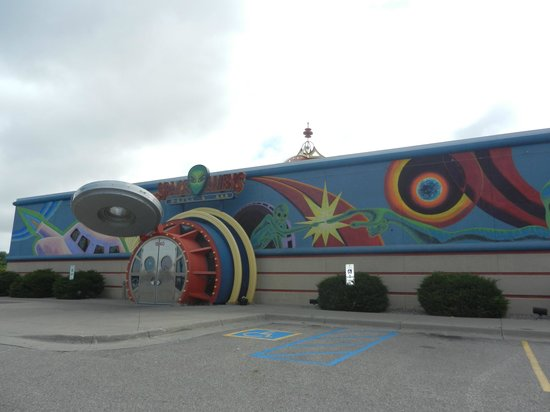 Space Aliens Grill & Bar: Looks fun