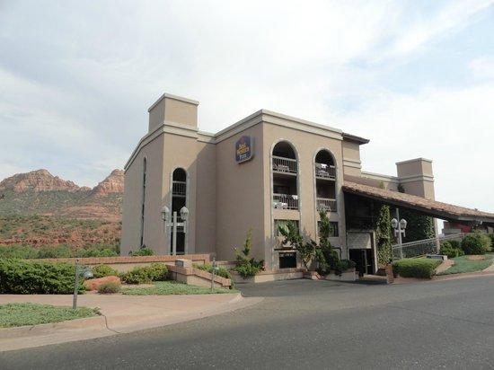 Best Western Plus Arroyo Roble Hotel & Creekside Villas: Hotel view