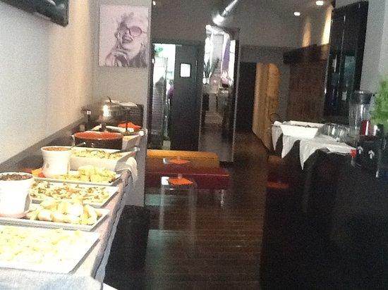 Photo of Italian Restaurant Modo Wine Bar at Borgo La Croce, Florence 50121, Italy