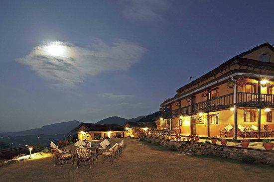 Summit Village Lodge