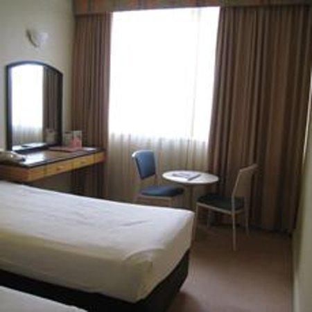 Quality Hotel Ambassador Perth: 室内