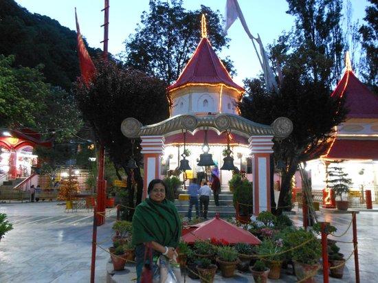 Hotel New Bharat: My wife in Nayna Devi Mandir