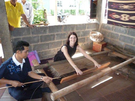 Amnat Charoen Province, Thailand: Weaving mats at OTOP Village Ban Na Mo Ma