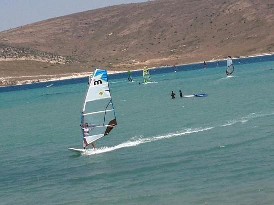 Chigdem Hotel: Windsurfing at Alacati beach
