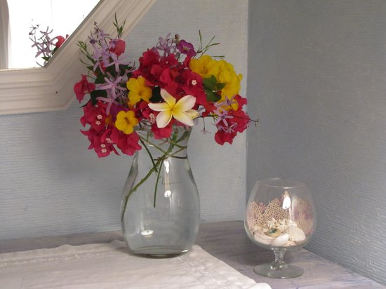 Bellavista Bed & Breakfast: Fresh flowers from the garden