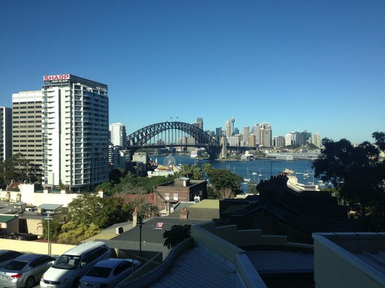 North Sydney Harbourview Hotel: Lower room view