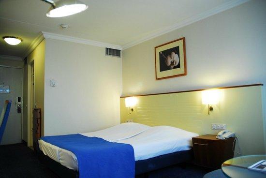 Dorint Airport Hotel Amsterdam: room