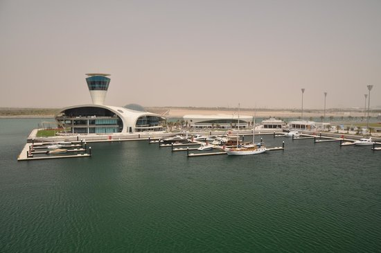 Yas Viceroy Abu Dhabi: View from Marina suite