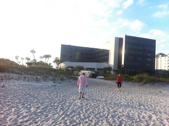 Hilton Cocoa Beach Oceanfront: private beach