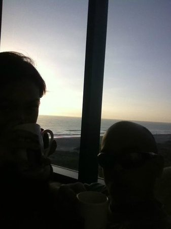 Hilton Cocoa Beach Oceanfront: sunrise from the room