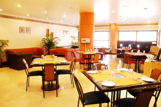 Vishwaratna Hotel: Coffee shop