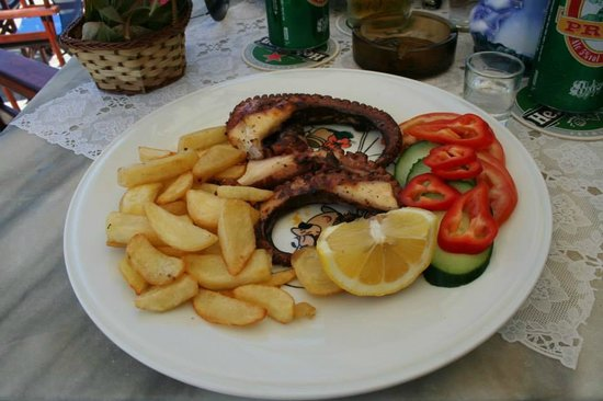 Dimitrios Swimming Pool Bar Restaurant : goodies