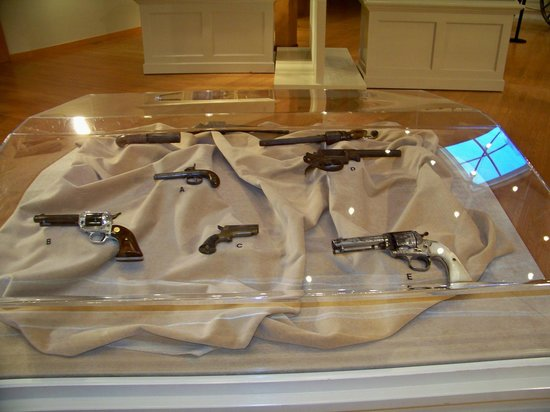 Historic Arkansas Museum: old firearms