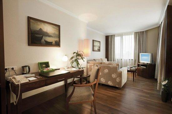 Dedeman Hotel Istanbul: Suite Room