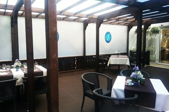 Eiropa Hotel : summer terrace