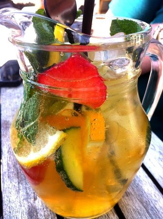 The Swan Salford: Special Pimms & ginger