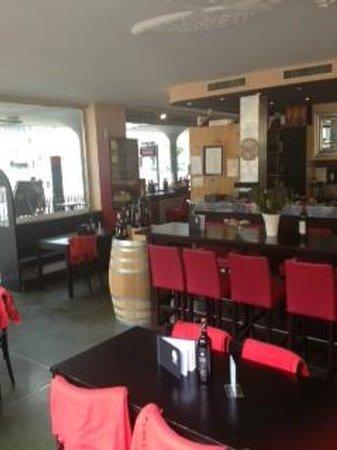 Schuler Weinwirtschaft Bellavista: Plenty of room for group bookings, wine tastings etc.