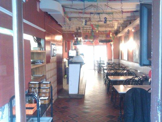 Bar La Guineu: entrada per Carrer Barcelona