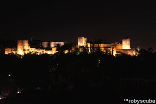 Reino de Granada Hotel : Alhambra di notte