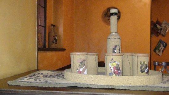 Sardegna : Suppellettili sardi graziosi ed eleganti