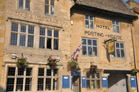 The Kings Arms Hotel: The Hotel