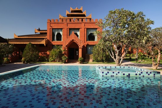 Myanmar Treasure Resort Bagan : Pool & Lobby