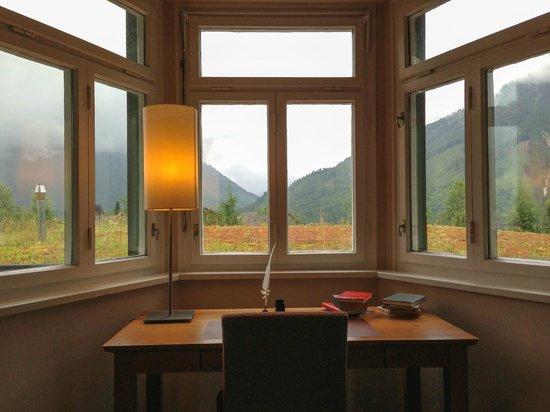 G'sund & Natur Hotel DIE WASNERIN: Schreibtisch mit Aussicht