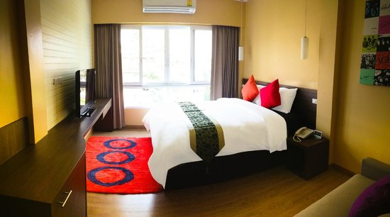 iCheck Inn Silom: Deluxe King Bed