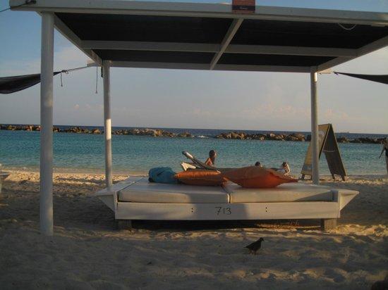 Van der Valk Kontiki Beach Resort: Cabana Beach