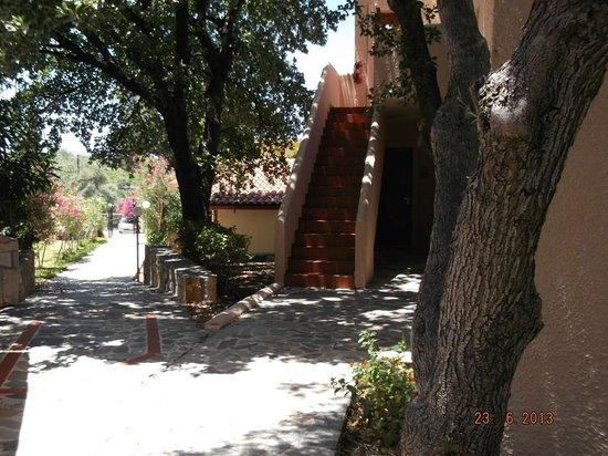 Sirios Village Hotel & Bungalows: wejście do pokoju - bungalow