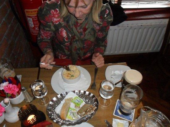 The Helm Restaurant: Heerlijk die chowder!!