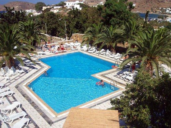Armadoros Hotel : piscine