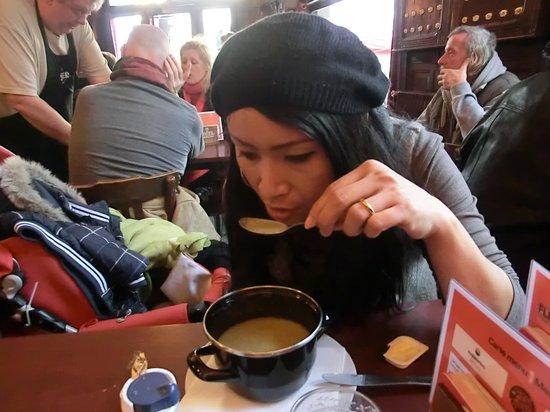 Cafe Au Laboureur: Una buona zuppa di cipolle