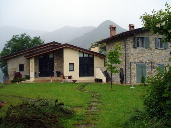 Borgo Pianello: Reception and apartments