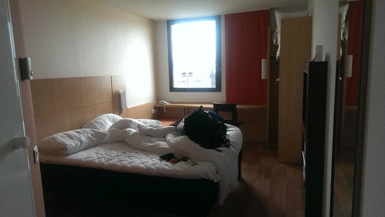 Ibis Calais Tunnel Sous la Manche : Double room on 2nd floor