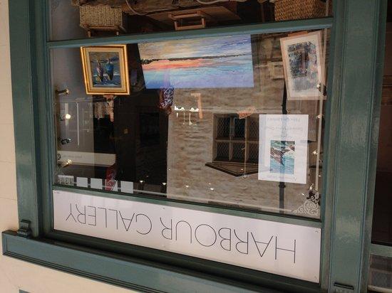 Harbour Gallery: getlstd_property_photo